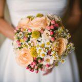 bouquet di camomilla e rose avalanche di Stylosofie